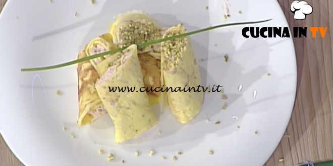 La Prova del Cuoco - Rotolo di frittata con crema di salmone spalmabile ricetta Ivano Ricchebono