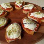 Cotto e mangiato - Bruschetta alla pizzaiola di bufala ricetta Tessa Gelisio