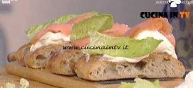 La Prova del Cuoco - Focaccia di mais con mascarpone e salmone affumicato ricetta Gabriele Bonci