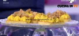Detto Fatto - Madeleine all'arancia con crema e crumble ricetta Gian Luca Forino