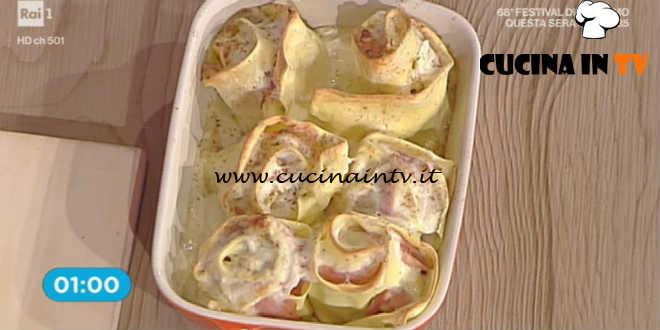 La Prova del Cuoco - Rose di sfoglia con prosciutto e brie ricetta Riccardo Facchini
