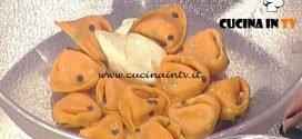 La Prova del Cuoco - Tortelli a pois con salmone e caprino ricetta Alessandra Spisn