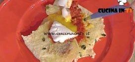 La Prova del Cuoco - Pane carasau al pomodoro con uovo in camicia ricetta Francesca Marsetti