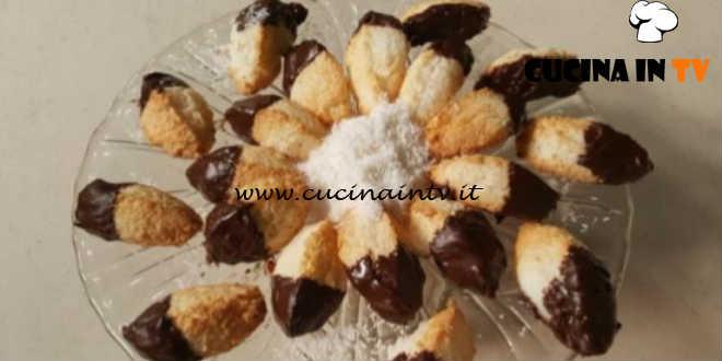 Cotto e Mangiato | Biscotti al cocco e cioccolato ricetta Tessa Gelisio