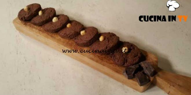 Cotto e Mangiato   Biscottoni nocciole e cioccolato ricetta Tessa Gelisio