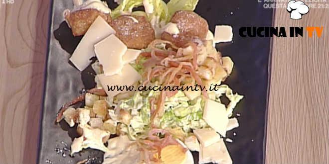 Prova del Cuoco | Caesar salad con pollo uova alici e guanciale croccante ricetta Fava