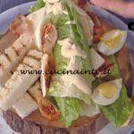La Prova del Cuoco - Caesar salad con pollo alla paprika uova e bacon ricetta Cesare Marretti
