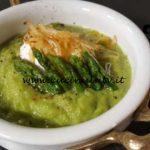 Cotto e mangiato - Crema di asparagi con uova in camicia ricetta Tessa Gelisio