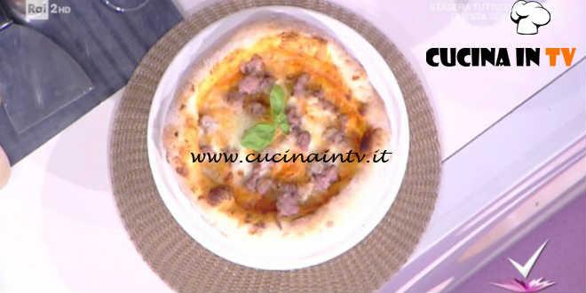 Detto Fatto - Pizza peperoni e salsiccia ricetta Vincenzo Capuano