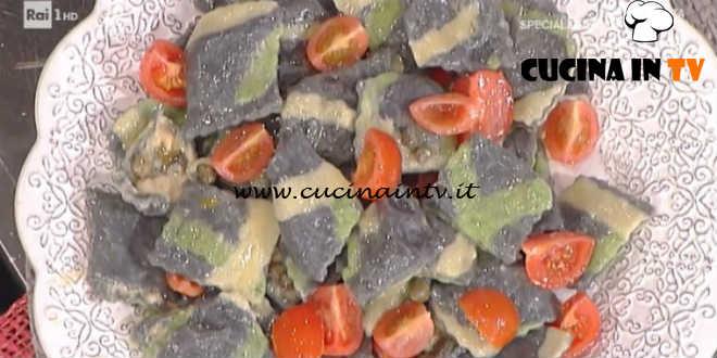 Prova del Cuoco | Ravioli neri con patate tonno e burro ai capperi ricetta Spisni