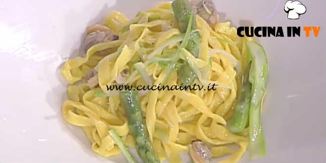 La Prova del Cuoco - Fettuccelle asparagi e vongole ricetta Mauro Improta