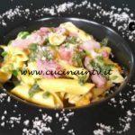 Cotto e mangiato - Garganelli con fiori di zucca e pancetta dolce ricetta Tessa Gelisio