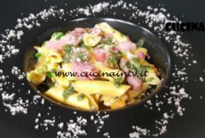Cotto e Mangiato | Garganelli con fiori di zucca e pancetta dolce ricetta Tessa Gelisio