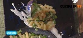 La Prova del Cuoco - Fusilli con asparagi burrata e nocciole tostate ricetta Katia Maccari