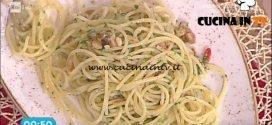La Prova del Cuoco - Spaghetti aglio olio e peperoncino con tarallo sbriciolato ricetta Mauro Improta