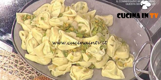 La Prova del Cuoco - Tortelloni robiola e zucchine con salsa ai fiori di zucca ricetta Alessandra Spisni