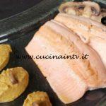 Cotto e mangiato - Trancio di trota alla salsa di funghi ricetta Tessa Gelisio
