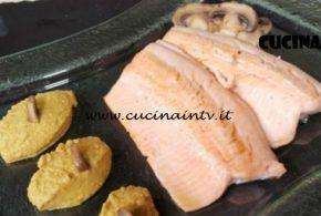 Cotto e Mangiato | Trancio di trota alla salsa di funghi ricetta Tessa Gelisio