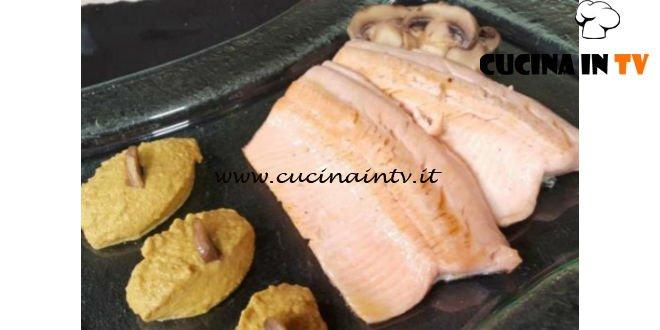 Cotto e Mangiato   Trancio di trota alla salsa di funghi ricetta Tessa Gelisio
