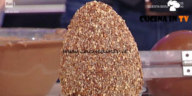 Prova del Cuoco | Uova di Pasqua al pistacchio e nocciole ricetta Castagna