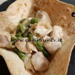 Cotto e mangiato - Cestini con bocconcini di pollo asparagi e taleggio ricetta Tessa Gelisio