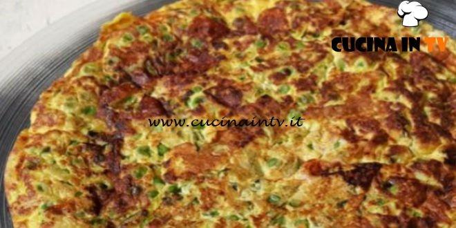 Cotto e Mangiato | Frittata piselli zucchine e scamorza ricetta Tessa Gelisio