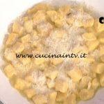 La Prova del Cuoco - Gnocchi di carote con burro salato e mandorle ricetta Daniele Persegani