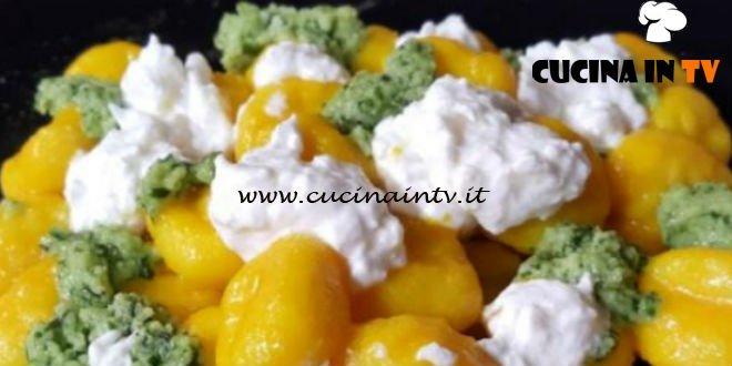 Cotto e Mangiato | Gnocchi zafferano pesto e stracciatella ricetta Tessa Gelisio