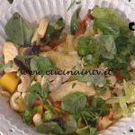 La Prova del Cuoco - Insalata di pollo fritto con papaia speziata ricetta Roberto Valbuzzi