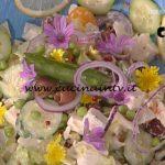 La Prova del Cuoco - Insalata greca con pomodori gialli e salsa allo yogurt ricetta Diego Bongiovanni