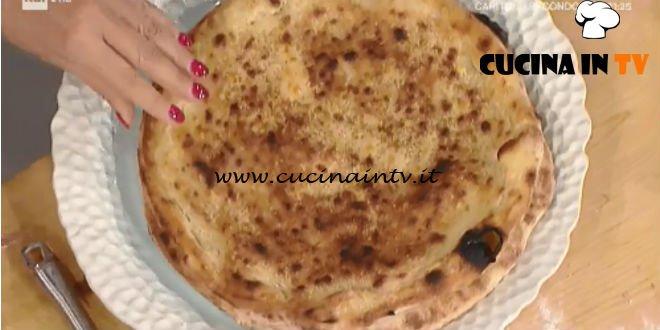 Prova del Cuoco | Pizza con parmigiana di melanzane ricetta Sorbillo