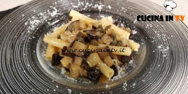 Cotto e Mangiato | Sedanini con melanzane olive e capperi ricetta Tessa Gelisio