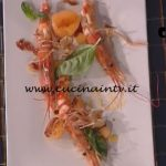 La Prova del Cuoco - Sfere di melone con gamberi e crumble di prosciutto ricetta Marco Bottega