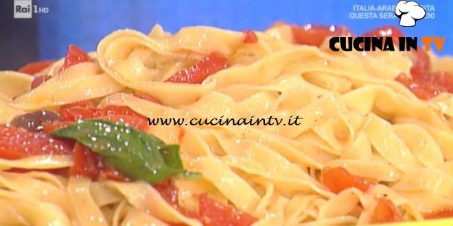 Prova del Cuoco | Tagliatelle di acciuga con pomodoro e olive ricetta Spisni