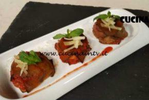 Cotto e Mangiato | Tortini di parmigiana di melanzane ricetta Tessa Gelisio