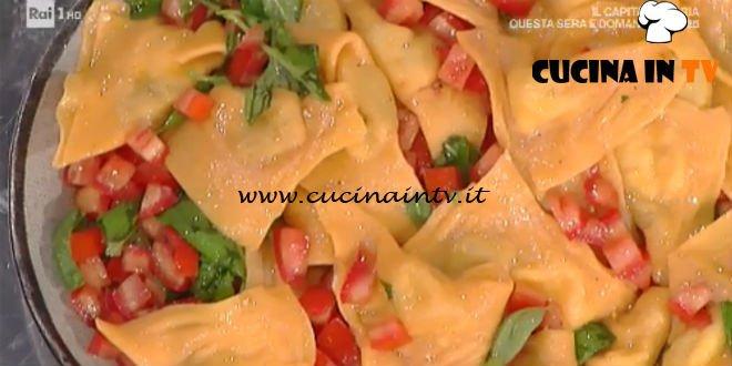 Prova del Cuoco | Triangoli rossi con melanzane e bufala ricetta Spisni