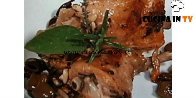 Cotto e Mangiato | Coniglio alla ligure con olive taggiasche e pinoli ricetta Tessa Gelisio