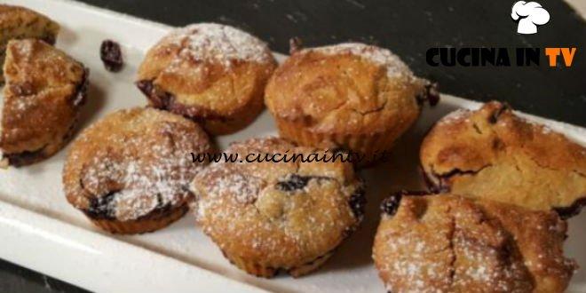 Cotto e mangiato - Tortini di avena e mirtilli ricetta Tessa Gelisio