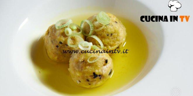 Masterchef 7 | Gnocchi di pane all'aji amarillo con brodo di gallina ricetta Michele Sardo