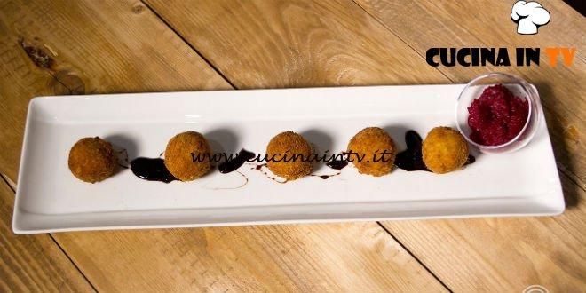 Masterchef 7 | Olive all'ascolana con ripieno al formaggio e ketchup di barbabietola ricetta Manuela Costantini