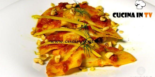 Masterchef Italia 7 - ricetta Mezzelune prosciutto e melone pomodoro e nocciole tostate di Simone Scipioni