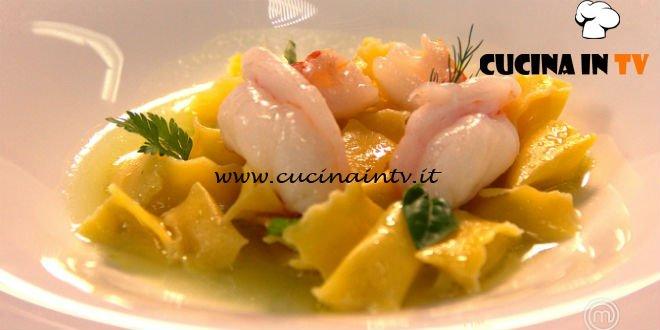 Masterchef Italia 7 - ricetta Plin di gorgonzola con centrifuga di mela verde e sedano rapa scampi e cipollotti di Antonino Cannavacciuolo
