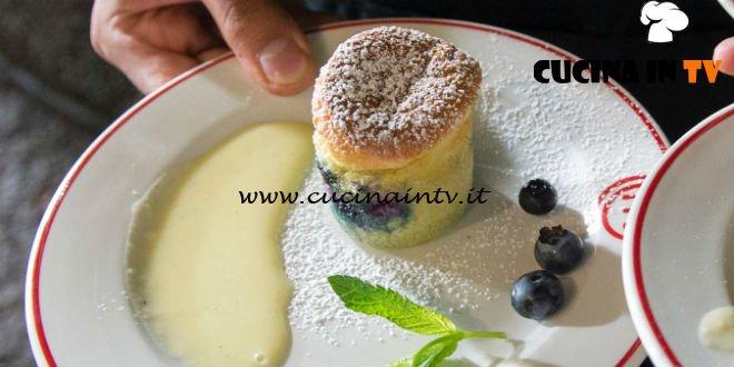 Masterchef Italia 7 - ricetta Tortino ai mirtilli con crema inglese di Antonino Bucolo