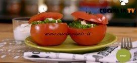 La mia cucina delle emozioni - ricetta Pomodori ripieni di pisellini e crema di yogurt di Marco Bianchi
