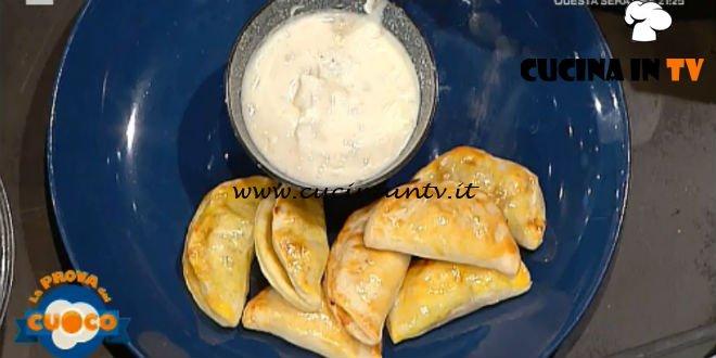 La Prova del Cuoco | Fagottini zucca e salsiccia con crema al gorgonzola ricetta Clara Zani