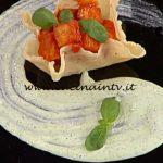 La Prova del Cuoco - ricetta Parmigiana in cestino con crema di stracciatella al basilico di Nicoletta Lanci