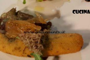 Cotto e Mangiato | Sardoncini panati pecorino origano e cipolla al miele ricetta Tessa Gelisio