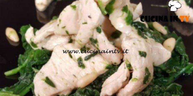 Cotto e mangiato - Straccetti di pollo spinaci e taleggio ricetta Tessa Gelisio