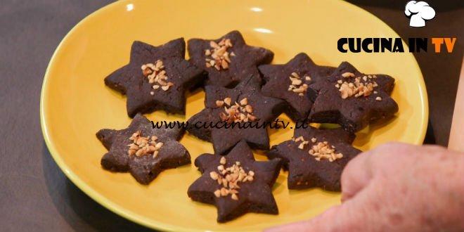 Ricette all'italiana | Biscotti nocciole e cacao ricetta Anna Moroni