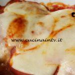 Cotto e mangiato - Involtini di verza con salsiccia e zucca ricetta Tessa Gelisio